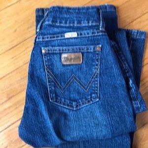 Wrangler Premium Patch 3/4 x 36 Women's Jean